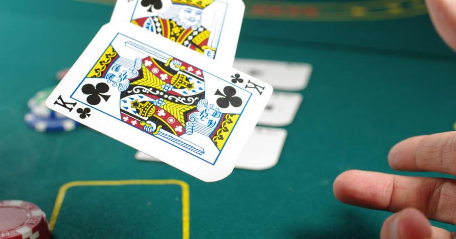 回答几个问题讲好扑克策略
