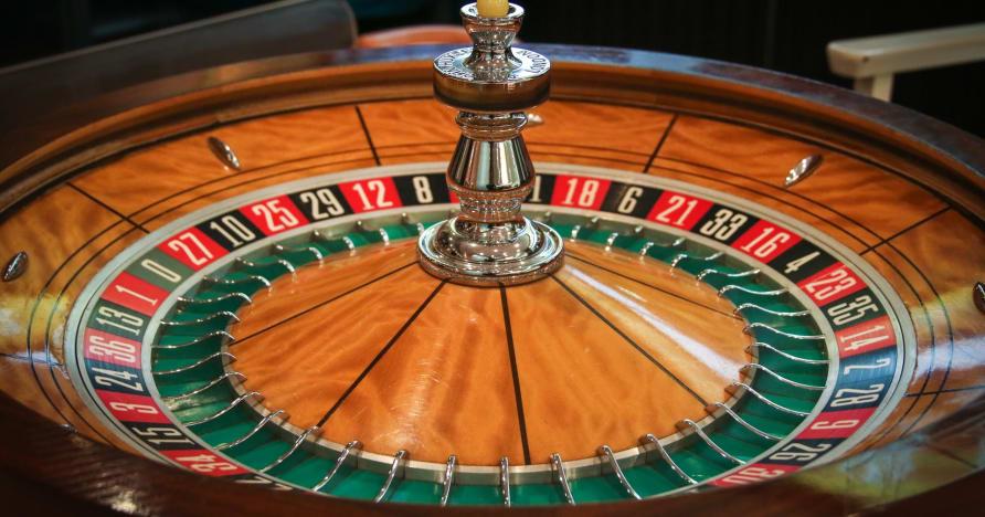 玩并赢得现场轮盘赌:为什么会喜欢它
